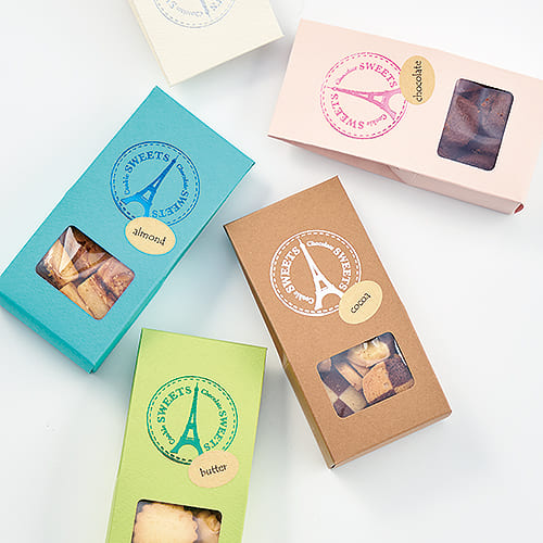 洋風な洋菓子のパッケージ