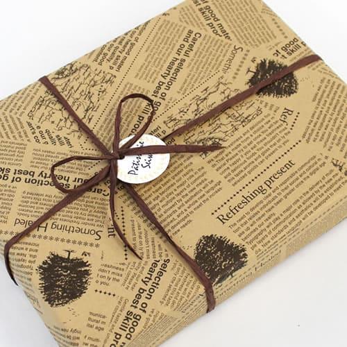英字柄 包装紙